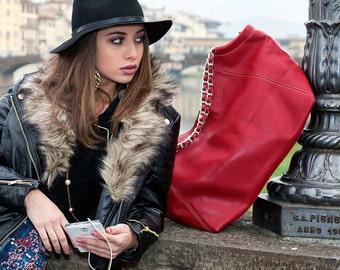 Duomo Shoulder bag, a spacious Made in Italy Genuine Leather Handbag