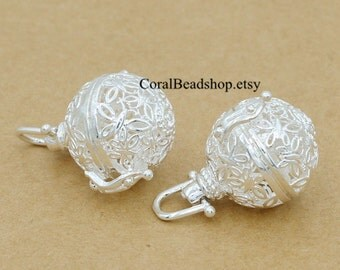 x0246-2pcs/lot Filigree Silver Flower Butterfly Locket Pendant Magic Box Locket For Essential Oil Diffuser Necklace