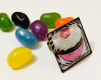 Cup Cake Ring, Food Jewelry, Art Ring, Adjustable Ring, gold tone ring, Pink Ring, Kawaii Ring, Statement Ring