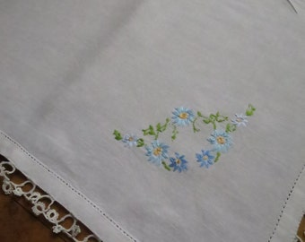 Pretty Vintage Linen Tray Cloth- Hand Tatted Lace &  Hand Embroidery