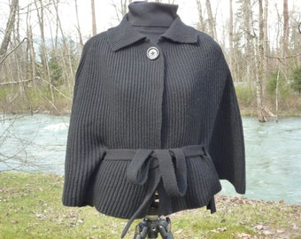 Italian unisize black belted cape cardigan acrylic wool blend made in Italy black cape single buttoned cape