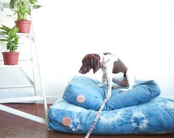 WILD FOR INDIGO Pet Bed   100% Cotton Canvas   Hand Dyed   Indigo   Handsome Mountain Pet Supplies  