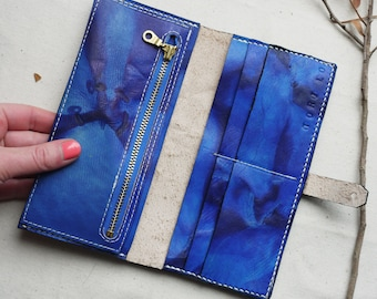 leather bi-fold purse in vibrant tie dye with zipper pouch.  Handmade in England