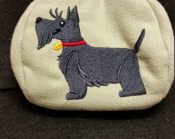 L328.  Coin purse.  Scottish terrier design