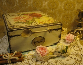 casket in the style of shabby chic