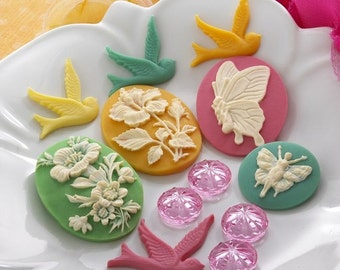 Websters Pages - Perfect Accents - Resin Embellishment Pieces - BUTTERFLY BIRDS Cameos Cabochon. Scrapbooking, cardmaking.