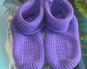 0479 Hand crochet slippers age 4 to 7 shoe size 1.5