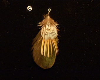 Earring natural feathers