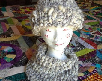 Chunky knit hat. Grey and natural