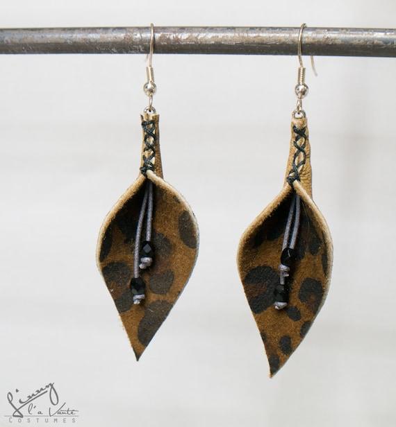 Leather leopard print Petal Earrings  [Water Lily]