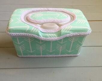 Arrows on Mint, Wipe Case, Wipes Case, Wipes Holder, Baby Wipe Case, Baby Wipes Case, Wipes Container, Nursery Decor, Baby Gift, Babyshower
