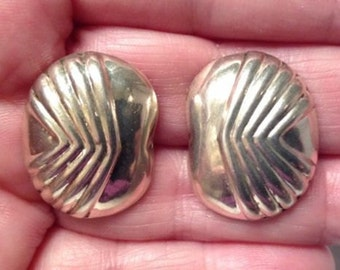 Vintage Oval Earrings with Shell-Like Detail - Sterling Silver 925