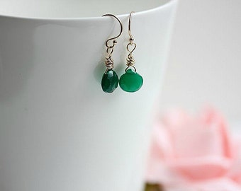 Green Onyx Jewelry - Emerald Green Earrings - Onyx earrings in Sterling Silver - May Birthstone earrings - Gift for her