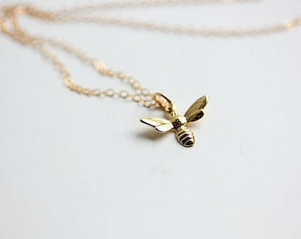 Gold Bee Necklace - Bee necklace -Tiny Gold Bumble bee necklace - Honey bee necklace - Bee charm Necklace - Bee Jewelry - Delicate Jewelry