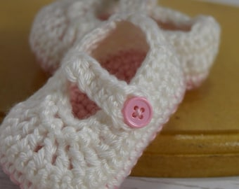 Crochet baby girl shoes, crochet Mary Janes, crochet baby easter shoes, pink baby shoes