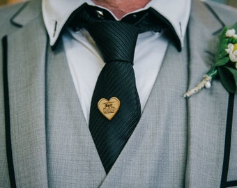 Best dad - Wooden Tie Pin - Father's day present - Tiepin - Lapel Pin - Boutonniere - Wedding