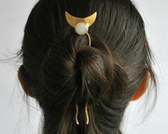 Boho hair accessory Brass hair pin Hair fork Moon hair pin Hair jewelry Moon jewelry Hair clip Hair accessory Hair comb Bun holder Bun pin