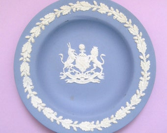 Vintage Wedgwood jasper blue and white small decorative plate