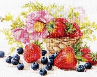 "Cross Stitch Kit by Alisa ""Strawberries"""