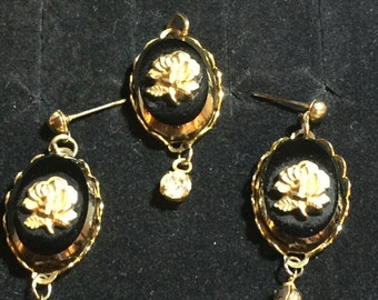 Stunning  GoldToned Rose Cameo Pendant and Earrings