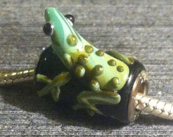Lampwork Glass Frog on a Log Charm Bead fits European Style Bracelet Sterling Silver Core Beaded Add a Bead Jewelry Supplies (ID B3-F3)