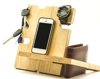 tech gift,charging dockcharging,monogram items,unique gifts,best gift,apple watch dock,birthday gift men,Natural wood,anniversary gifts,gift