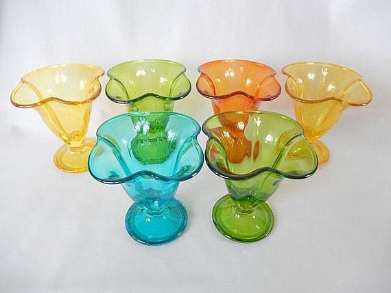 vintage ice cream glasses sundae glasses set of 6 mid. Black Bedroom Furniture Sets. Home Design Ideas