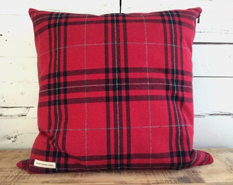 """Red Tartan"" pillow cover in wool and polyester, size: 22 ""x 22"