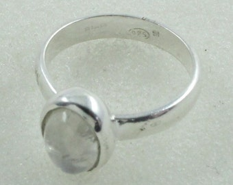 Rainbow Moon Stone Beautifully Design 925 Sterling Silver Ring