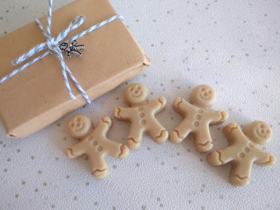 FREE UK DELIVERY! Gingerbread Men Soy Wax Melts x4 - Gingerbread Vegan Wax Melts - Christmas Wax Melts - Stocking Filler - Gifts for Her