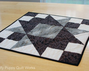 Black and White Table Topper, Quilted Table Mat, Modern Black White Table Decor, Contemporary Modern Style Table Topper, Gray Table Mat