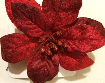 Poinsetta barrette