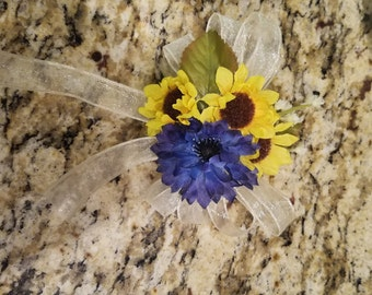 Simple Corsage