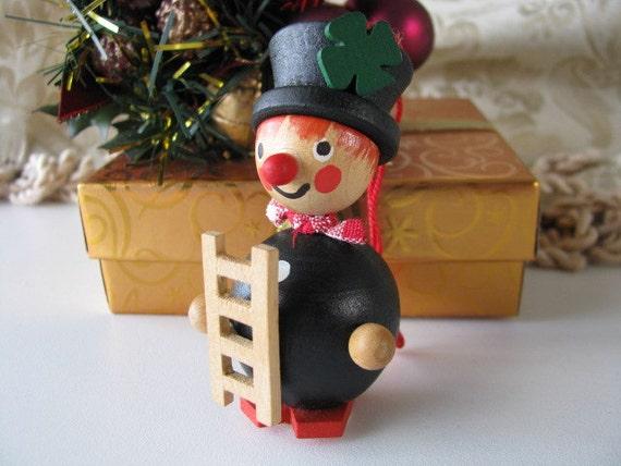 Vintage Holzkunst Christian Ulbricht German wooden Christmas Ornament 1980s
