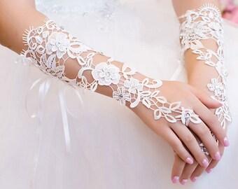 Wedding Gloves, Lace Gloves, Fingerless Gloves, bridal gloves,Bridesmaids Gloves, Bride gloves, Rhinestones Fingerless Gloves, LC14005