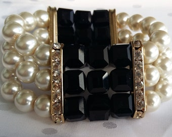 Vintage Style Pearl and Black Bead Bracelet with Gold and Rhinestone Detailing