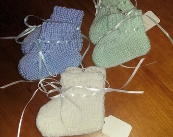 Knitted Preemie Booties - Soft and Warm