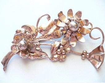 Vintage c.1940 Sterling Silver Vermeil flower pin Brooch