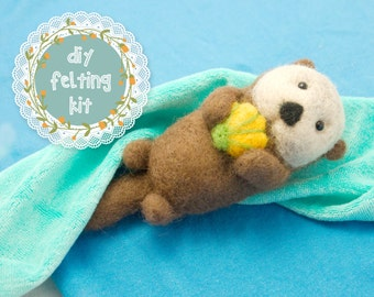 Needle Felting Kit DIY - Sea Otter & Shell // Cute Wool Needle Felted Animal // Easy Beginner Felt Craft Kit // Perfect Gifts for Crafters