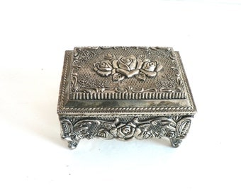 Vintage Shabby Chic Silver Plated Floral Jewelry Box/ Jewellery Hinged Box / Ornate Rose Design / French Country Farmhouse Chic Decor