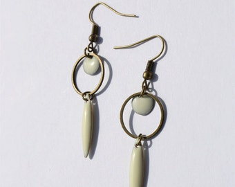 art deco white/cream earrings