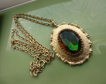 Lovely 1960s Sarah Coventry watermelon crystal pendant necklace