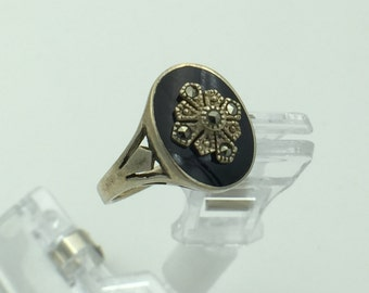 Vintage Sterling Silver Ring, Black Stone with designs
