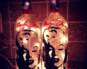 Marilyn Monroe wine bottle light