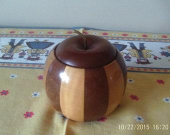 Lancroft tobacco jar