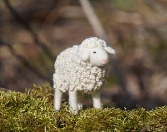 Needle felted sheep, sheep, needle felted animal, wool felt, needle felt, handmade, gift, home decor, needle felted art doll, white lamb