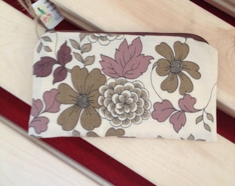 """Large Coin Purse. Made From Vintage Fabric. Brown and Cream Floral Print. Upcycled, Recycled, Repurposed. 6.5""""x3.5"""".Fully Lined"""