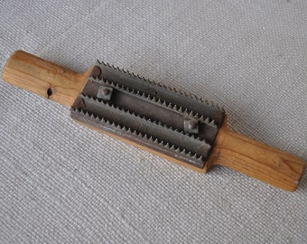 Vintage Curry Comb or Carding Comb or Fish Scaler - Wood Handled - Primitive