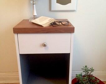 SOLD / / / nightstand vintage - ARIfactory