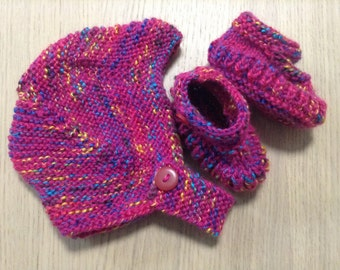 Baby beanie and matching booties set